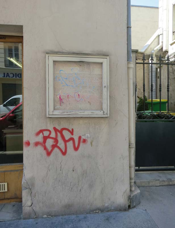 3 rue Planchat, Paris (FR-75020). Photo Claude Closky.jpg