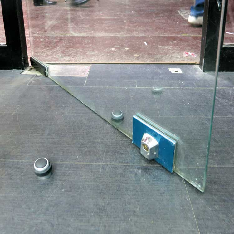 Pichat, Fabrice, 'Réflexion faite', 2005, , Porte vitrée, deux butées, reflet. Glass door, two door stop, reflection. 'This&There' exhibition. CYI, 42 Passage du Caire, Paris (FR-75002). Photo Claude Closky
